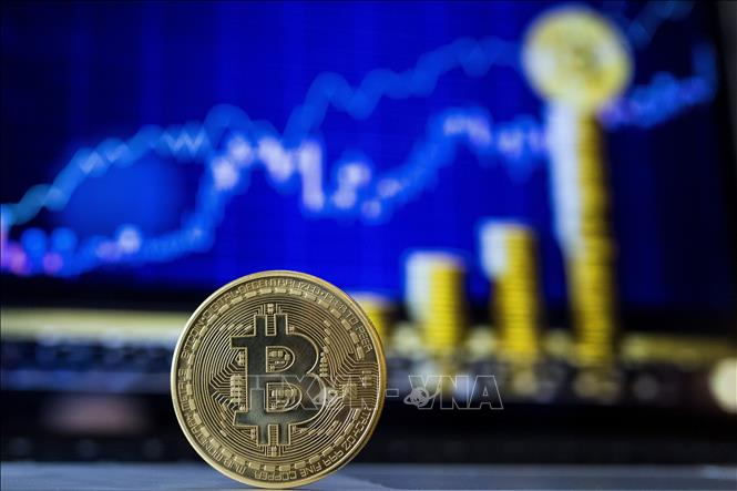 Đồng bitcoin lần đầu tiên chạm mốc 19.000 USD sau gần 3 năm