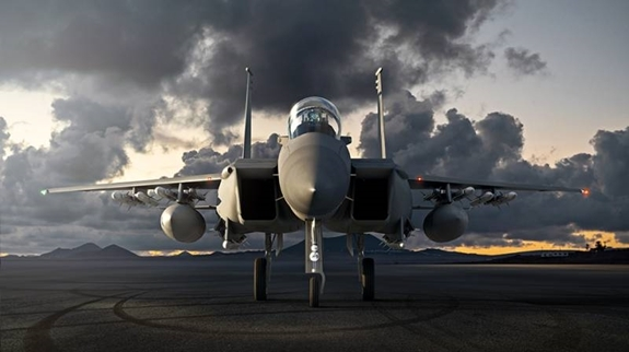 """Diện mạo mới của """"Đại bàng chiến"""" F-15"""