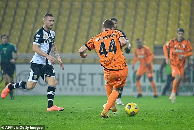 C.Ronaldo tỏa sáng rực rỡ, Juventus đại thắng Parma - 1