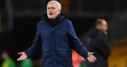 Tottenham lại gây thất vọng: Sai lầm chết người của HLV Mourinho