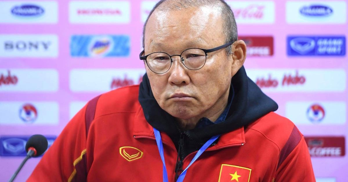 HLV Park Hang Seo đề xuất giảm ngoại binh ở V-League: Phản ứng trái chiều