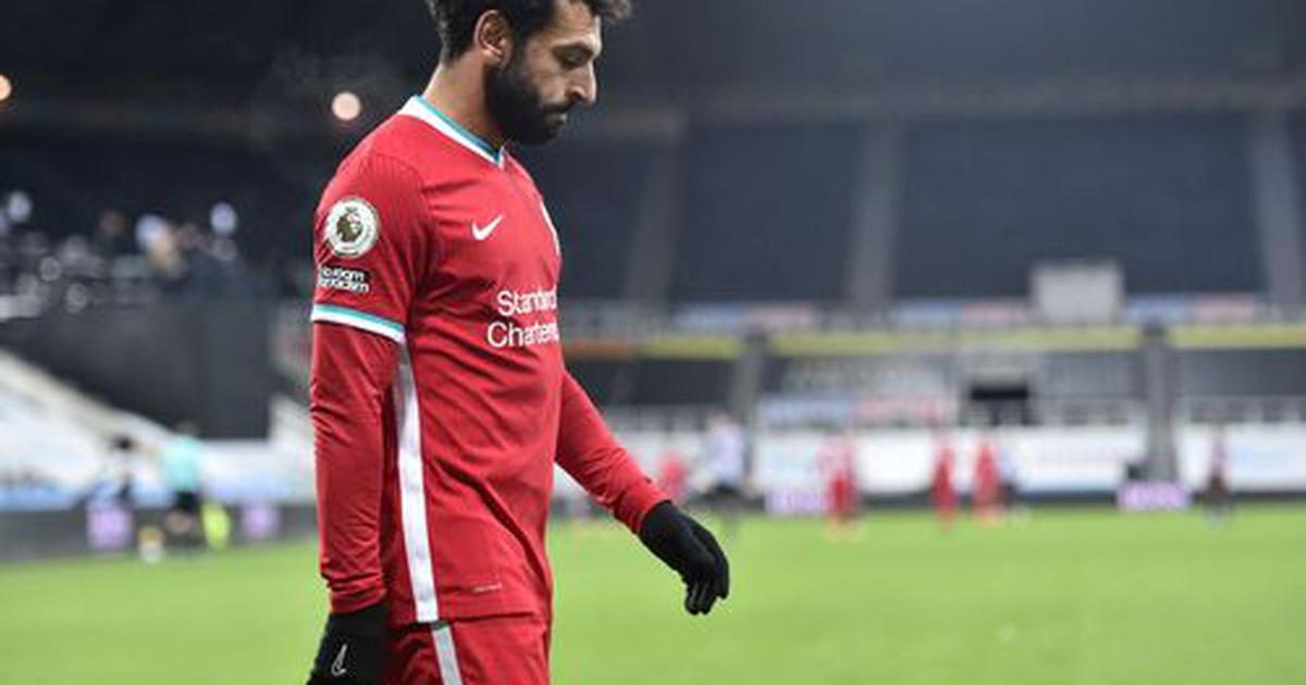 Salah phung phí hai cơ hội tốt ghi bàn cho Liverpool