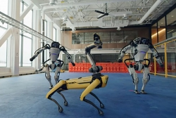 Xem robot nhảy nhót điêu luyện theo nhạc