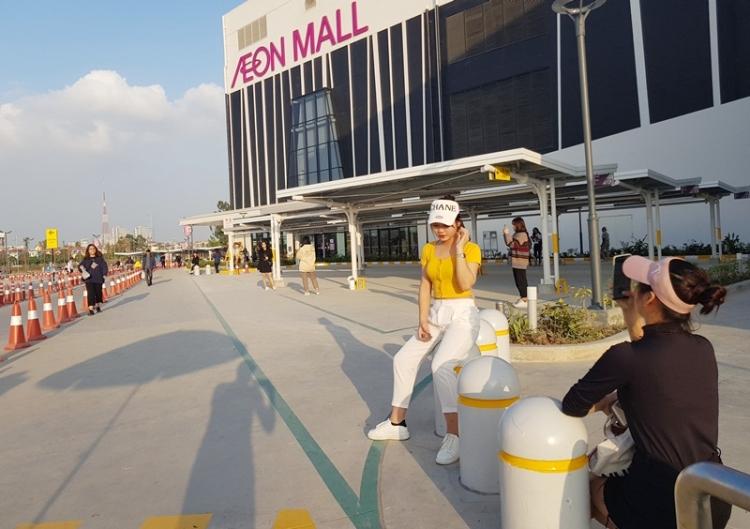 trung tam thuong mai aeon mall ha dong dia diem duoc gioi tre check in ca ngay lan dem
