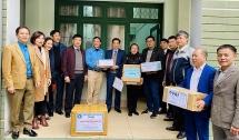 ĐH Thái Nguyên tặng hơn 2.000 sản phẩm sát khuẩn cho Vĩnh Phúc
