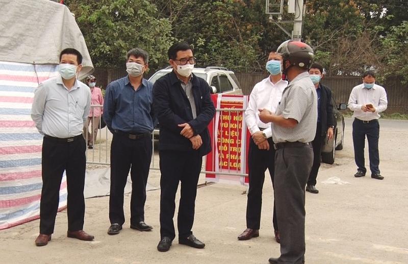 Lãnh đạo huyện Mê Linh chúc mừng lực lượng y tế nhân Ngày Thầy thuốc Việt Nam