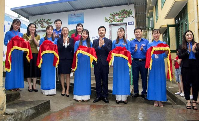 Thái Nguyên: Nhà vệ sinh làm bằng chai nhựa dạy học sinh bảo vệ môi trường