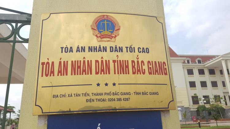 tand tinh bac giang y an so tham vu nguoi dan huy hoai dat nong nghiep roi doi chu tich xa boi thuong