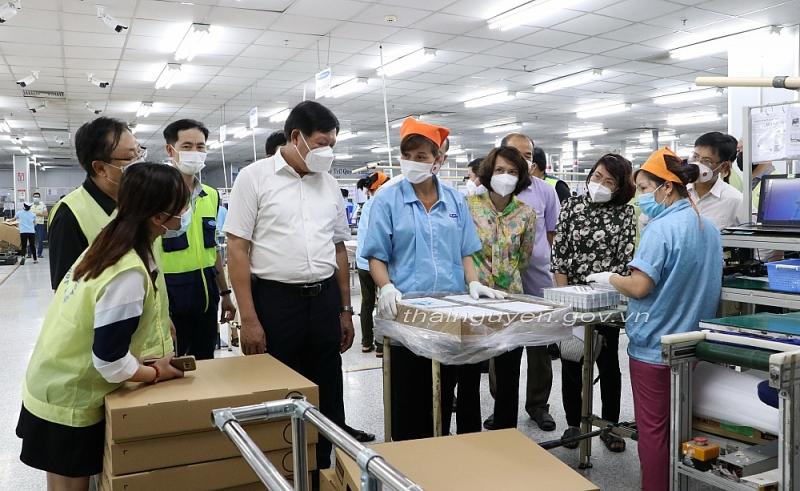 Thứ trưởng Bộ Y tế kiểm tra công tác phòng, chống dịch tại Thái Nguyên