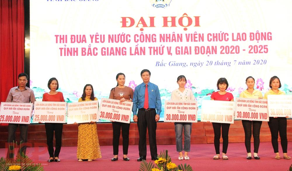 Bắc Giang: Những người thi đua là những người yêu nước