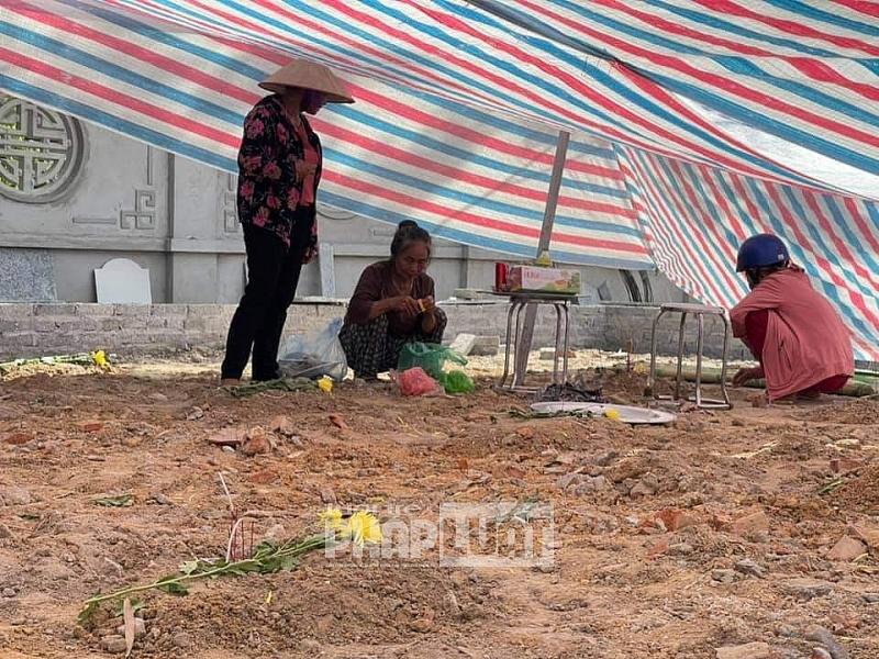 Thái Nguyên: Chủ tịch huyện Phú Bình nói gì về vụ san mộ liệt sĩ xã Ức Kỳ