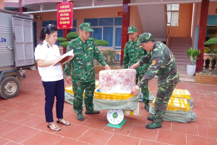 lang son phat hien 450kg noi tang lon khong ro nguon goc
