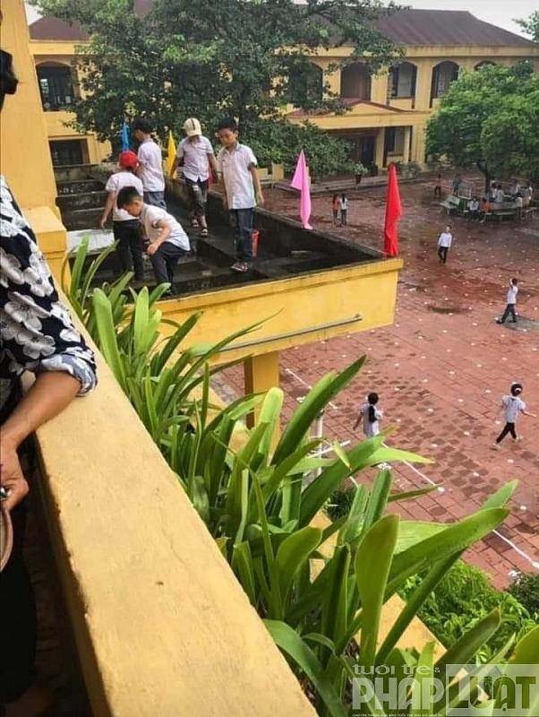 Bắc Giang: Yêu cầu kiểm điểm giáo viên để học sinh tiểu học lao động mất an toàn