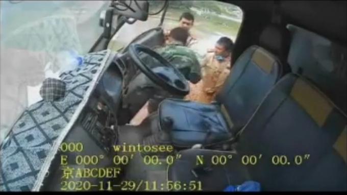 """""""Hé lộ"""" nguyên nhân vụ va chạm giữa 3 chiến sĩ CSGT với tài xế xe tải"""