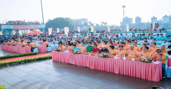 Herbalife Việt Nam hỗ trợ Giải Vô địch quốc gia marathon và cự ly dài báo Tiền phong