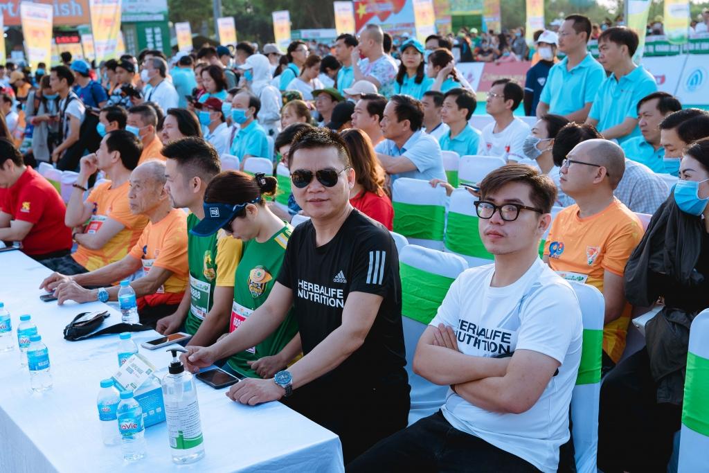 Lễ khai mạc Giải Vô địch quốc gia marathon và cự ly dài báo Tiền Phong