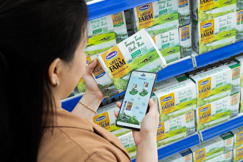 Người tiêu dùng sẽ được tích hợp các lợi ích trên cả 2 kênh mua sắm online và tại cửa hàng