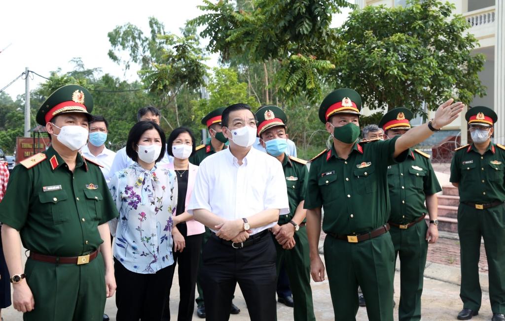 Chủ tịch UBND TP Chu Ngọc Anh thị sát điểm cách ly tập trung