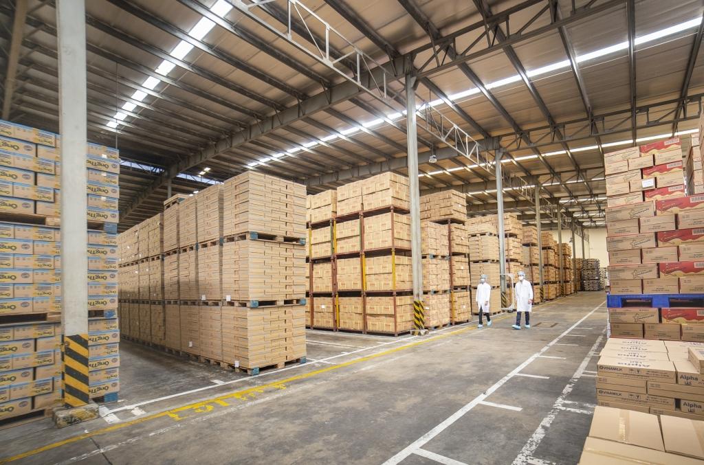 Kho thành phẩm trong một nhà máy của Vinamilk, tồn kho linh hoạt đảm bảo cung ứng trong nước và cả xuất khẩu theo diễn biến của Covid-1
