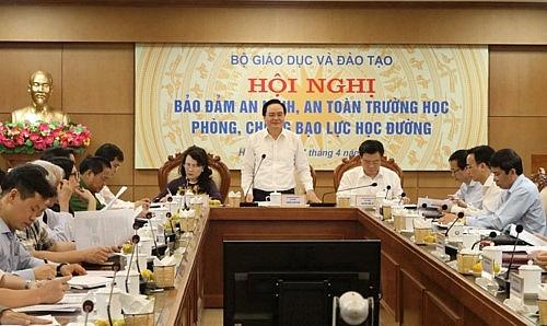 bo truong phung xuan nha chong bao luc hoc duong can neu guong la chinh