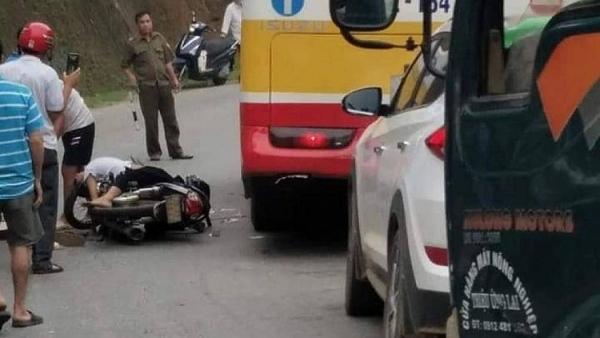 thai nguyen dau tran di xe may 2 hoc sinh va cham voi o to tai thuong vong
