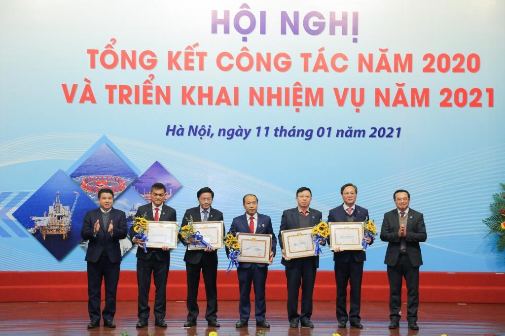 Đảng bộ PV GAS nhận tôn vinh Đảng bộ hoàn thành xuất sắc nhiệm vụ 2020