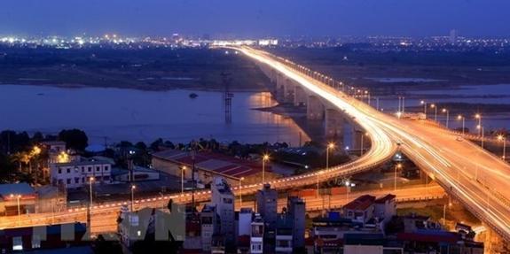 Cầu Vĩnh Tuy bắc qua Sông Hồng. Ảnh: TTXVN.