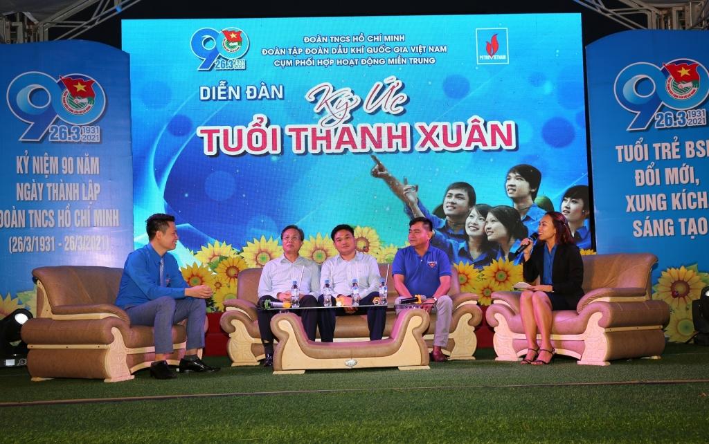 Các đại biểu chia sẻ những kinh nghiệm trong hoạt động Đoàn tại diễn đàn