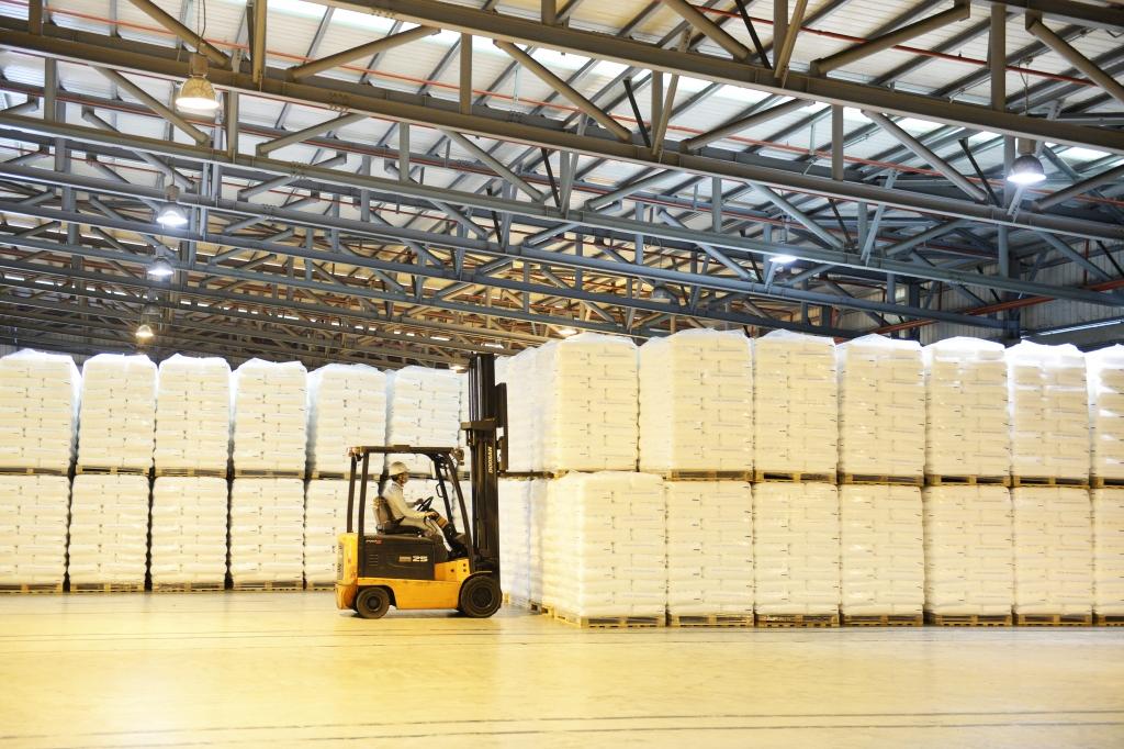 BSR kỳ vọng kết quả sản xuất kinh doanh năm 2021 sẽ tăng trưởng mạnh so với năm 2020. Ảnh: BSR xuất bán sản phẩm hạt nhựa mới T3050