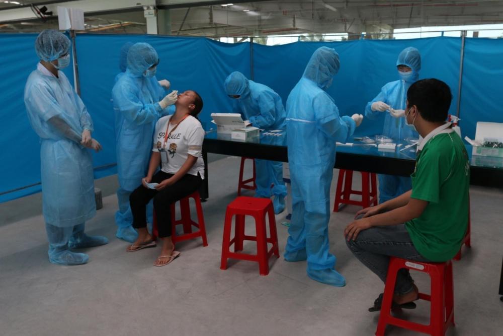 Tân Đệ test nhanh SARS-CoV-2 cho công nhân là F2, F3