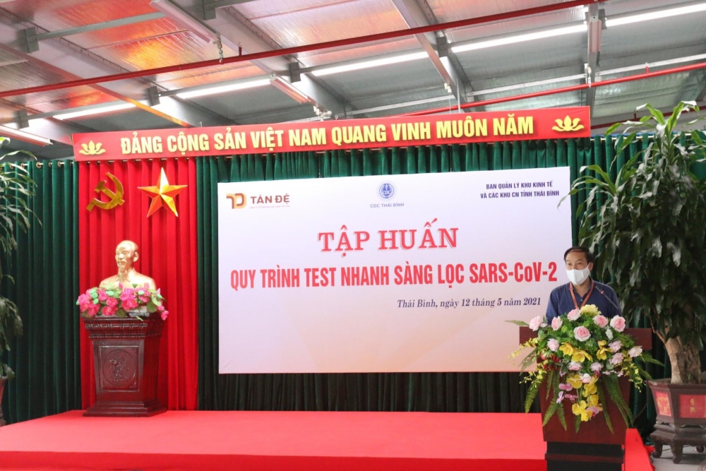 Chủ tịch Công đoàn Công ty Tân Đệ Trịnh Thanh Định phát biểu tại buổi tập huấn