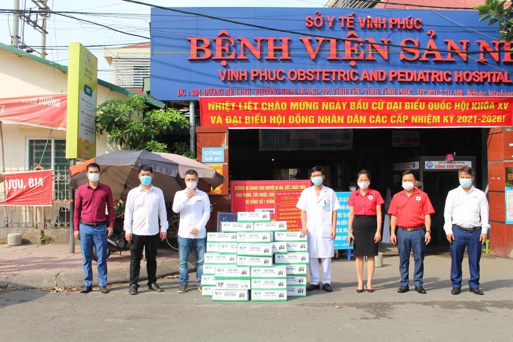 Mộc Châu Milk đã chuyển các sản phẩm đến các bệnh viện, điểm trường học đang cách ly cần hỗ trợ trên địa bàn tỉnh Vĩnh Phúc và Bắc Giang