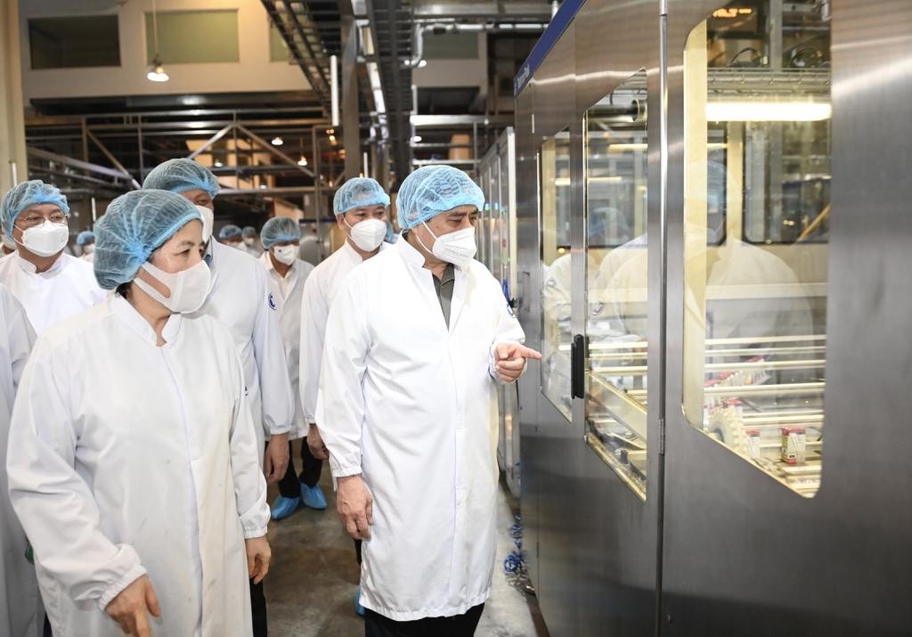 Thủ tướng Phạm Minh và đoàn công tác Chính phủ tham quan Nhà máy Sữa Việt Nam, Khu công nghiệp Mỹ Phước