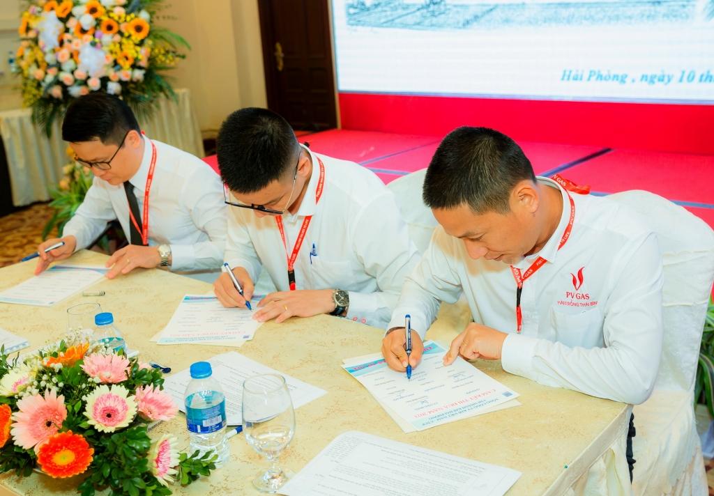 KHP ký cam kết và triển khai phong trào thi đua hoàn thành kế hoạch SXKD 2021