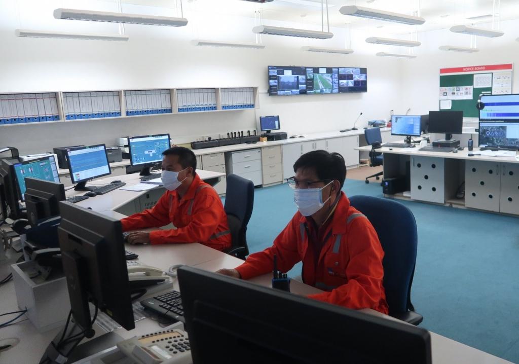 Trong phòng Điều khiển tại Zone 0 của NCSP