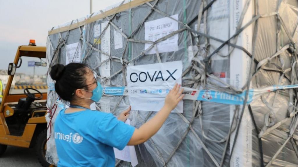 Bảo vệ trẻ em trước Covid-19 bằng vắc-xin: Bước tiến trên thế giới và nỗ lực ở Việt Nam