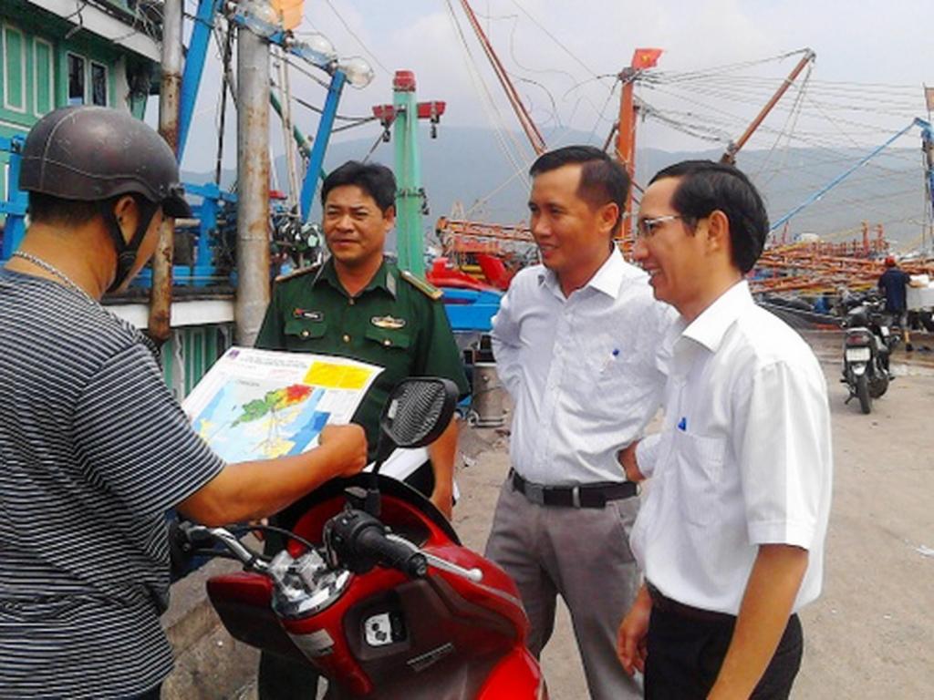 Hoạt động tuyên truyền bảo vệ đường ống dẫn khí biển tại PV GAS. - Hình tư liệu