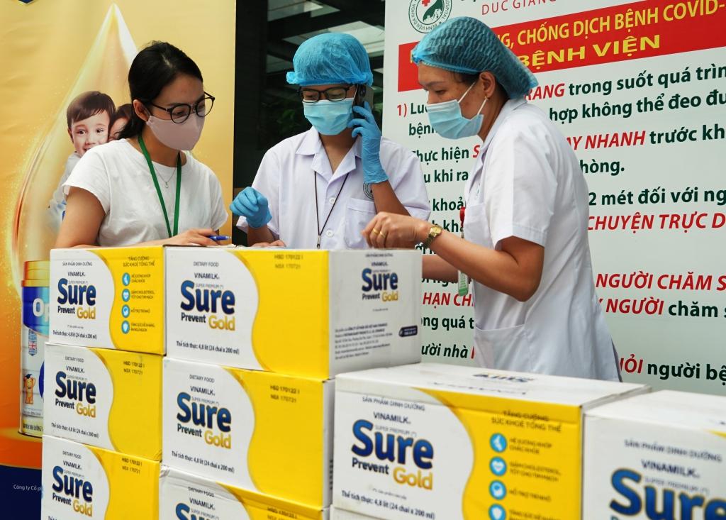 Các sản phẩm dinh dưỡng đã được gửi đến tận tay các cán bộ y tế trong những ngày giãn cách xã hội tại nhiều địa phương