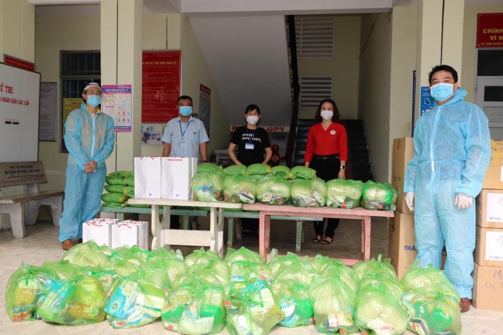 DVK gửi quà hỗ trợ đồng bào đến 5 phường của Vũng Tàu