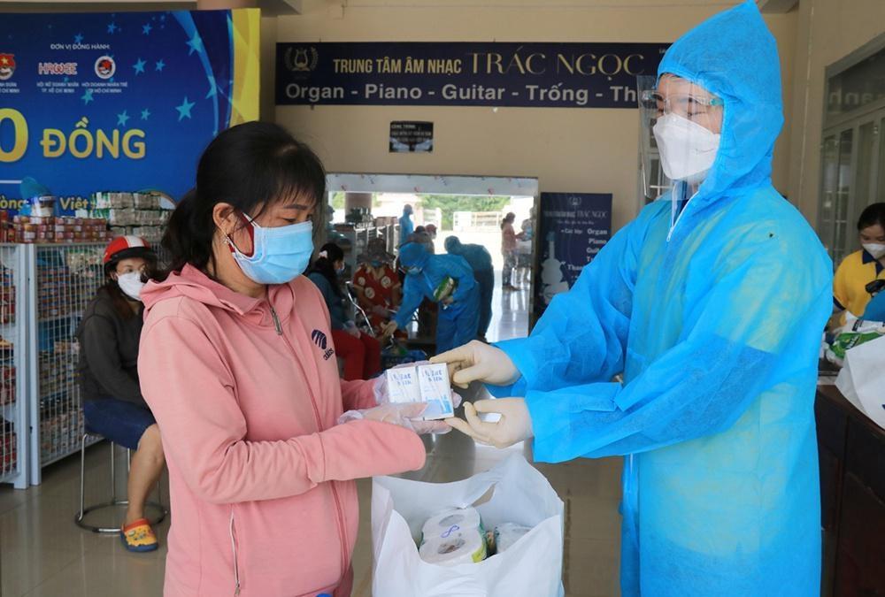 Sữa Dalatmilk (một thương hiệu thuộc Tập đoàn TH) có mặt tại một số Siêu thị 0 đồng tại TP HCM, hỗ trợ người dân khó khăn do đại dịch Covid-19