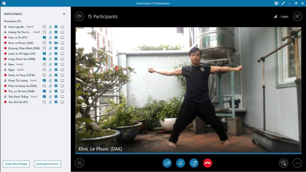 PGĐ Công ty DAK Lê Phước Khôi hướng dẫn tập luyện online mỗi sáng