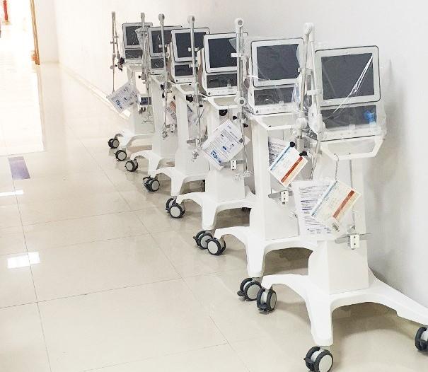 34 máy thở xâm lấn chức năng cao mà TH trao tặng tới ngành y tế sẽ góp phần điều trị tích cực và cứu sống các bệnh nhân Covid-19 nặng.