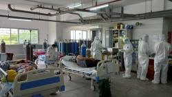 Công đoàn CQĐH PV GAS hỗ trợ thực phẩm tới Bệnh viên Dã chiến số 10