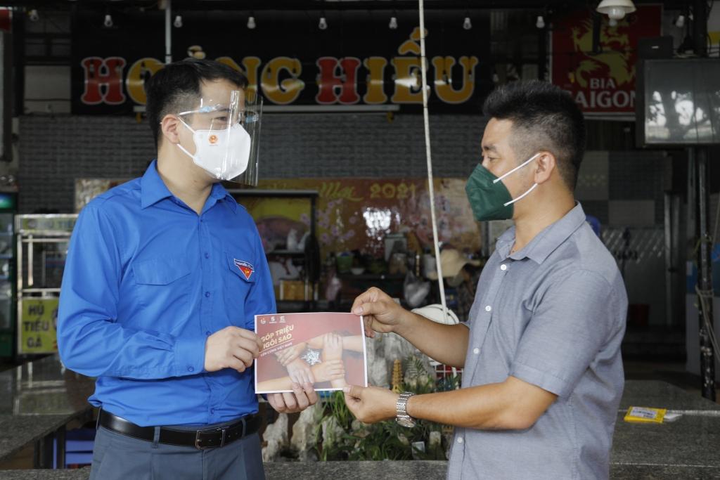 Trung ương Đoàn cùng SABECO và Bia Saigon trao 3 tỷ đồng tới 600 hộ kinh doanh TP HCM