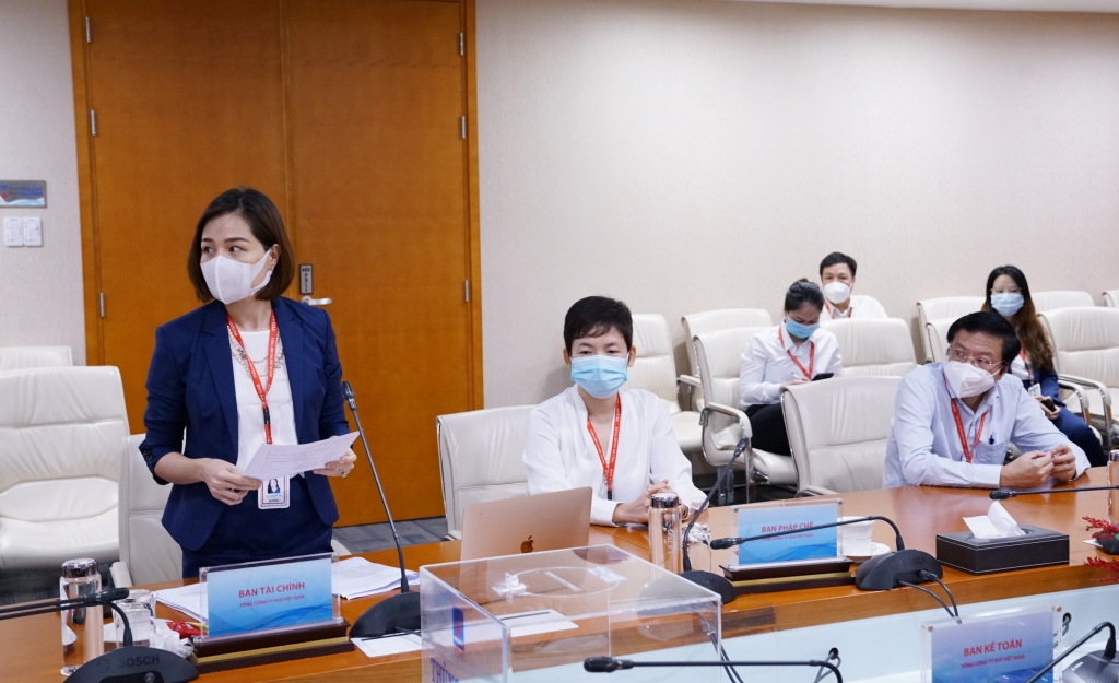 Ban Kiểm phiếu báo cáo HĐQT trong cuộc họp trực tuyến: ĐHĐCĐ PV GAS đã tán thành 3 nội dung lấy ý kiến với tỷ lệ 96,85% tổng số cổ phiếu có quyền biểu quyết
