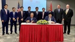 """PV GAS và AES ký kết """"Thỏa thuận liên doanh thành lập và vận hành Công ty TNHH Kho cảng LNG Sơn Mỹ"""""""