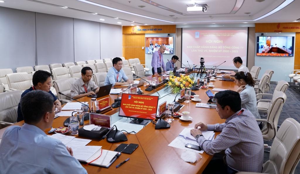 Hội nghị được chuyển tiếp trực tuyến để đại diện Lãnh đạo Đảng ủy PVN tham dự và chỉ đạo từ Hà Nội