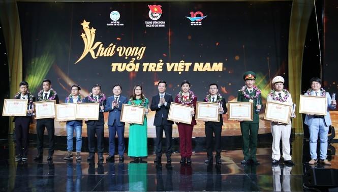 Gương mặt trẻ Việt Nam tiêu biểu: Lan tỏa khát vọng xây dựng đất nước hùng cường...