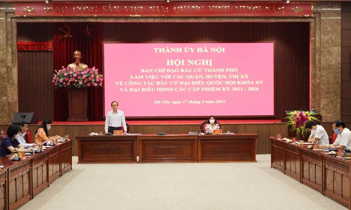 Chủ tịch HĐND thành phố Nguyễn Ngọc Tuấn phát biểu tại hội nghị