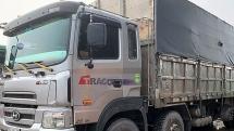 Quảng Ninh: Bắt 8 xe tải chở hàng trăm tấn than lậu